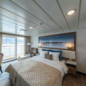 Interior-Captains-Suite © Aurora Expeditions