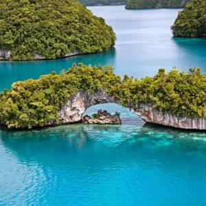 Master Liveaboards - Palau Siren - Natural Arch